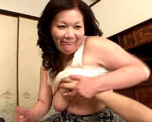 ハメたいのよ!五十路を過ぎてもまったく性欲が衰えない肉食系おばさん 岩崎千鶴