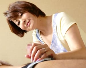 【石野祥子】夫婦の営みだけでは満たせない性欲を息子に向けた五十路母