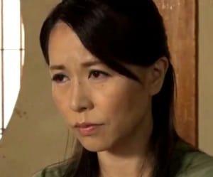 【井上綾子】あんた何いってんの!ビンタをした四十路母を強姦した息子