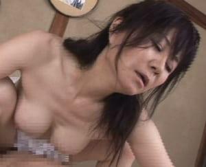 【澤村美香】息子との禁断SEXを旦那に知られても止められない五十路熟女