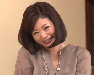 【藤堂さゆみ/初撮り】色っぽくいい具合に熟した四十路熟女の元女教師