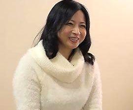 【倉本雪音】未亡人の五十路母が男と付き合いだして嫉妬で暴走するマザコン息子