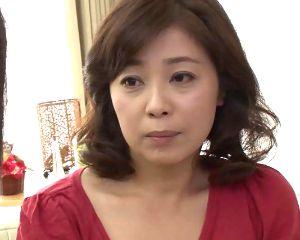 【藤咲美冬】嫁にSEXを拒絶されて同居する五十路の実母にヌキを頼む息子