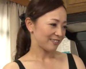 【南澤ゆりえ】妄想近親相姦 息子とセックスしてみたい四十路お母さん